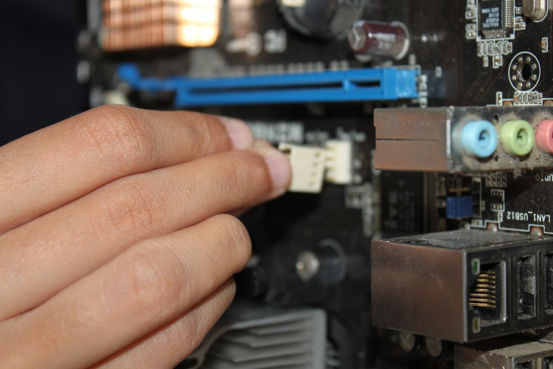 connexion-ordinateur-carte-mere